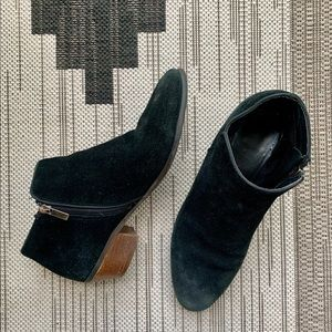CROWN VINTAGE BLACK SUEDE TABITHA BOOTIES